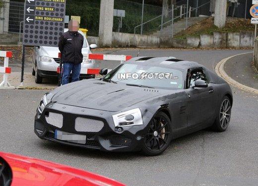 Mercedes AMG GT prime foto spia - Foto 9 di 19
