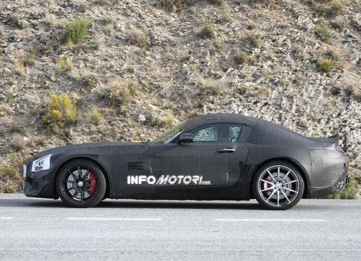 Mercedes AMG GT prime foto spia - Foto 13 di 19