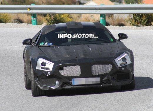 Mercedes AMG GT prime foto spia - Foto 16 di 19