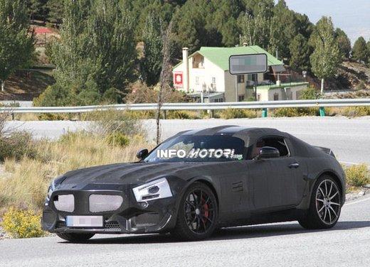 Mercedes AMG GT prime foto spia - Foto 17 di 19