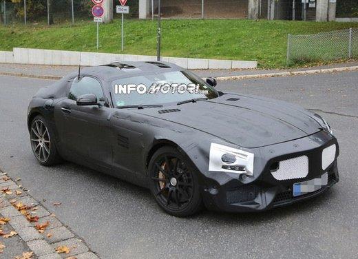 Mercedes AMG GT prime foto spia - Foto 1 di 19