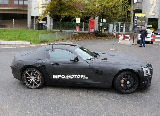 Mercedes AMG GT prime foto spia - Foto 2 di 19