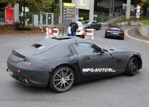 Mercedes AMG GT prime foto spia - Foto 3 di 19