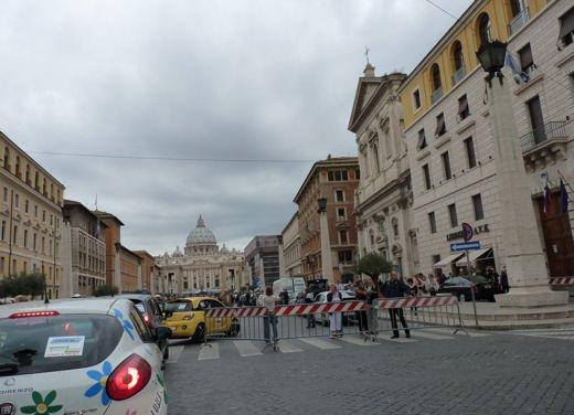 Ecorally 2013 San Marino – Città del Vaticano, bene Infomotori.com con Peugeot 3008 Hybrid4 - Foto 28 di 28