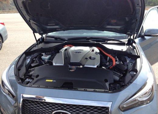 Infiniti Q50 nuovo motore 2.0 turbo benzina - Foto 7 di 15