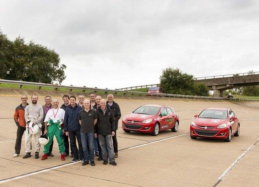 Opel Astra con motore diesel tenta il record mondiale di velocità - Foto 7 di 7