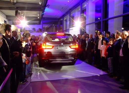 BMW ed EA7 Olimpia Milano: si rinnova l'accordo di partnership - Foto 10 di 16