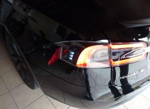 Tesla Model S prova su strada col primo cliente italiano della Tesla - Foto 4 di 22