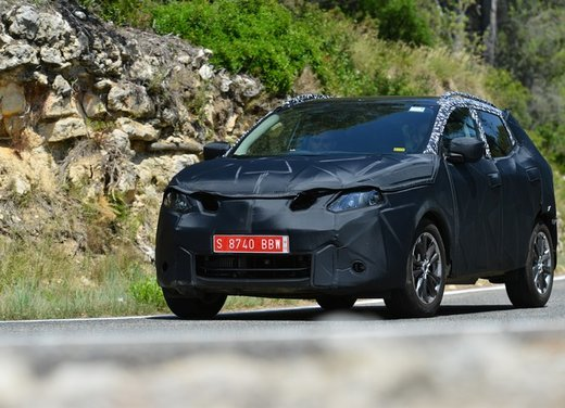 Nissan Qashqai prime foto ufficiali dei test - Foto 8 di 9