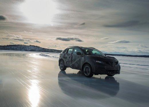 Nissan Qashqai prime foto ufficiali dei test - Foto 3 di 9
