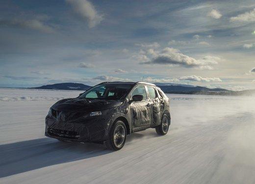 Nissan Qashqai prime foto ufficiali dei test - Foto 1 di 9