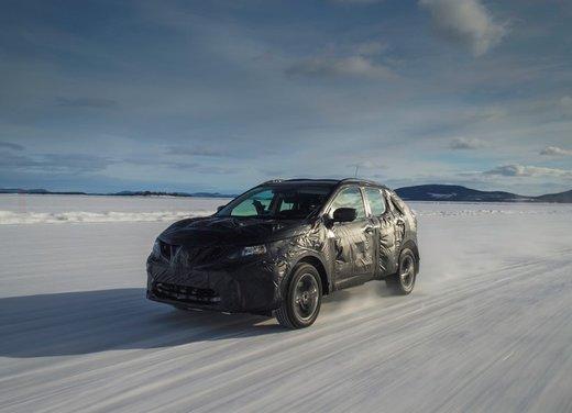 Nissan Qashqai prime foto ufficiali dei test - Foto 2 di 9