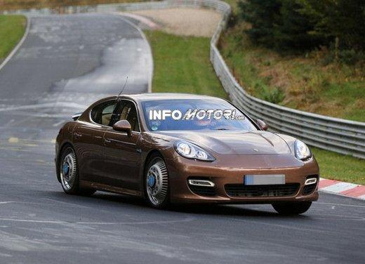 Porsche Panamera foto spia della nuova generazione
