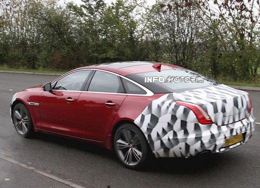 Jaguar XJ foto spia del facelift - Foto 1 di 5