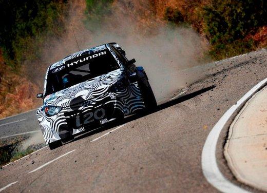 Hyundai i20 WRC nuovi test per il mondiale Rally 2014 - Foto 1 di 22