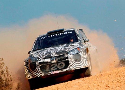 Hyundai i20 WRC nuovi test per il mondiale Rally 2014 - Foto 2 di 22