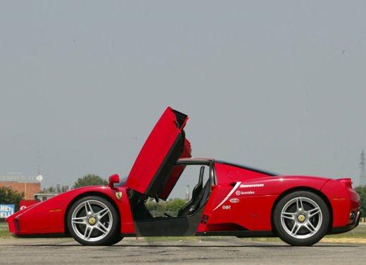 Ferrari Enzo WRC, video tra il fango delle campagne inglesi - Foto 1 di 11