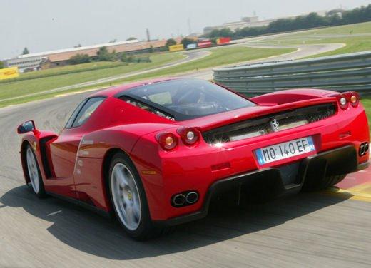 Ferrari Enzo WRC, video tra il fango delle campagne inglesi - Foto 2 di 11