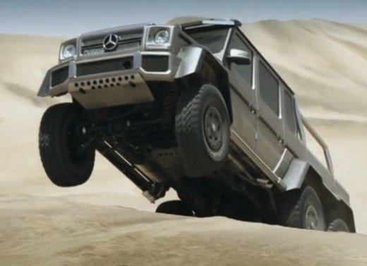 Mercedes Classe G 63 AMG 6×6 affronta il deserto in un video - Foto 4 di 11