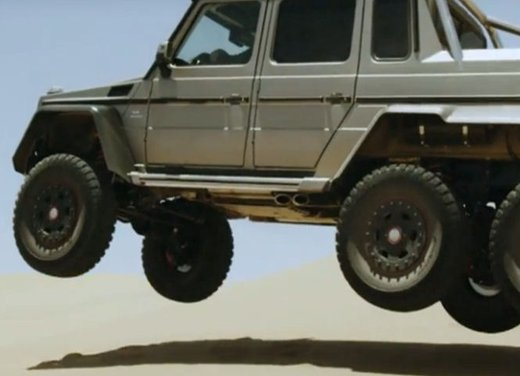 Mercedes Classe G 63 AMG 6×6 affronta il deserto in un video - Foto 3 di 11
