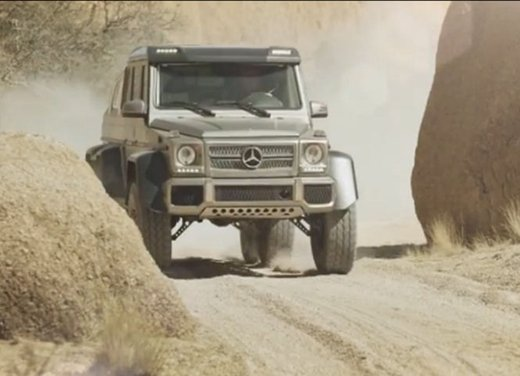Mercedes Classe G 63 AMG 6×6 affronta il deserto in un video - Foto 11 di 11