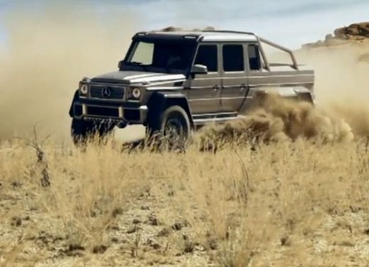 Mercedes Classe G 63 AMG 6×6 affronta il deserto in un video - Foto 10 di 11