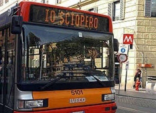 Sciopero nazionale del trasporto pubblico locale il 16 dicembre 2013 - Foto 4 di 16