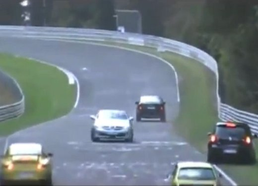 Gli incidenti nel circuito del Nurburgring in video - Foto 3 di 5