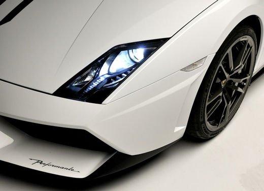 Lamborghini Gallardo, storia della Lambo più venduta di sempre - Foto 9 di 12