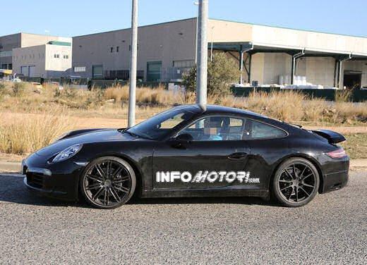 Porsche 911 foto spia degli ultimi test su strada - Foto 7 di 13