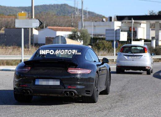 Porsche 911 foto spia degli ultimi test su strada - Foto 9 di 13