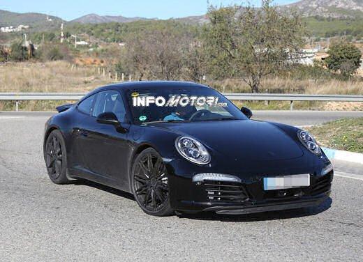 Porsche 911 foto spia degli ultimi test su strada - Foto 12 di 13