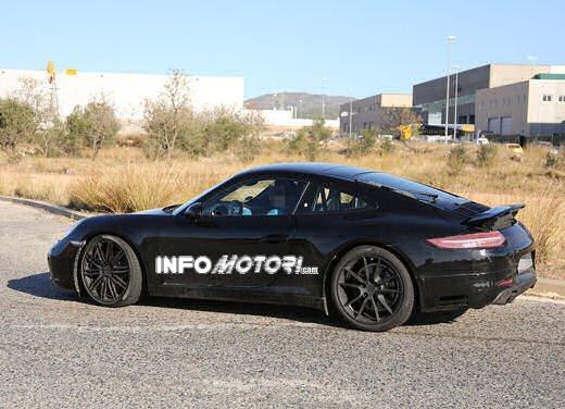 Porsche 911 foto spia degli ultimi test su strada - Foto 13 di 13