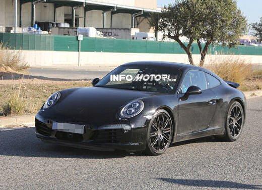 Porsche 911 foto spia degli ultimi test su strada - Foto 2 di 13