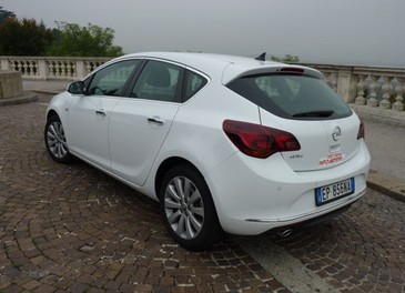 Opel Astra GPL Long Test Drive - Foto 7 di 22