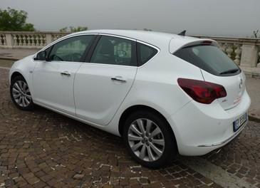 Opel Astra GPL Long Test Drive - Foto 10 di 22