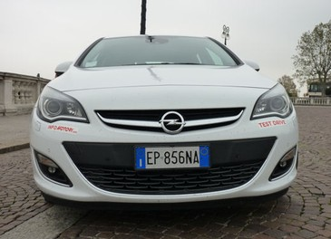 Opel Astra GPL Long Test Drive - Foto 5 di 22