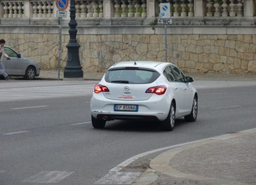 Opel Astra GPL Long Test Drive - Foto 21 di 22