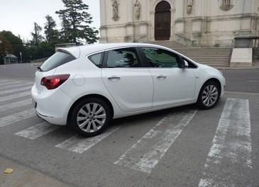 Opel Astra GPL Long Test Drive - Foto 18 di 22