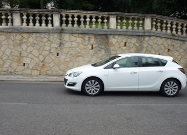Opel Astra GPL Long Test Drive - Foto 16 di 22