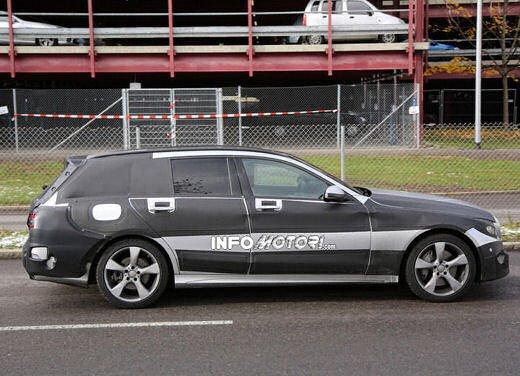 Nuova Mercedes Classe C station wagon 2014 spy - Foto 10 di 10