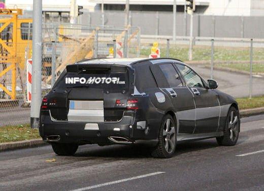 Nuova Mercedes Classe C station wagon 2014 spy - Foto 1 di 10