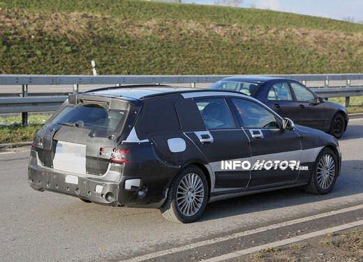 Nuova Mercedes Classe C station wagon 2014 spy - Foto 3 di 10