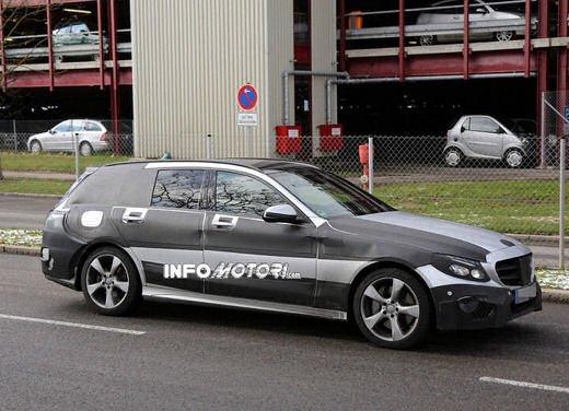 Nuova Mercedes Classe C station wagon 2014 spy - Foto 5 di 10