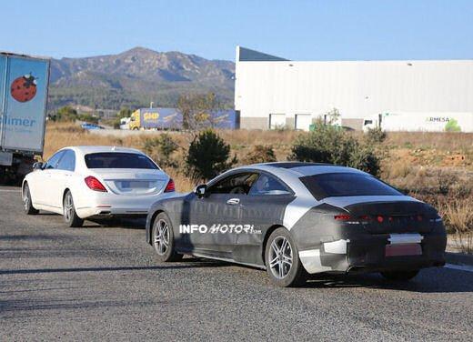 Mercedes Classe S Coupè nuove foto spia - Foto 12 di 18