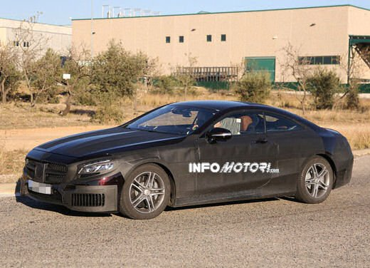 Mercedes Classe S Coupè nuove foto spia - Foto 13 di 18