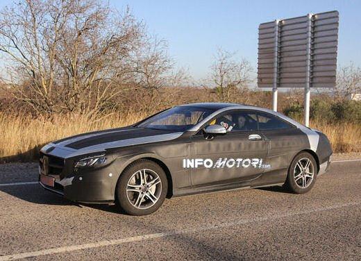Mercedes Classe S Coupè nuove foto spia - Foto 16 di 18