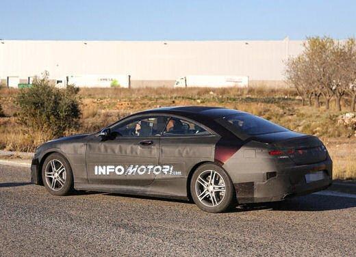 Mercedes Classe S Coupè nuove foto spia - Foto 17 di 18