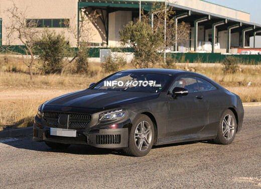 Mercedes Classe S Coupè nuove foto spia - Foto 3 di 18