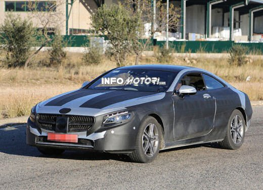 Mercedes Classe S Coupè nuove foto spia - Foto 4 di 18